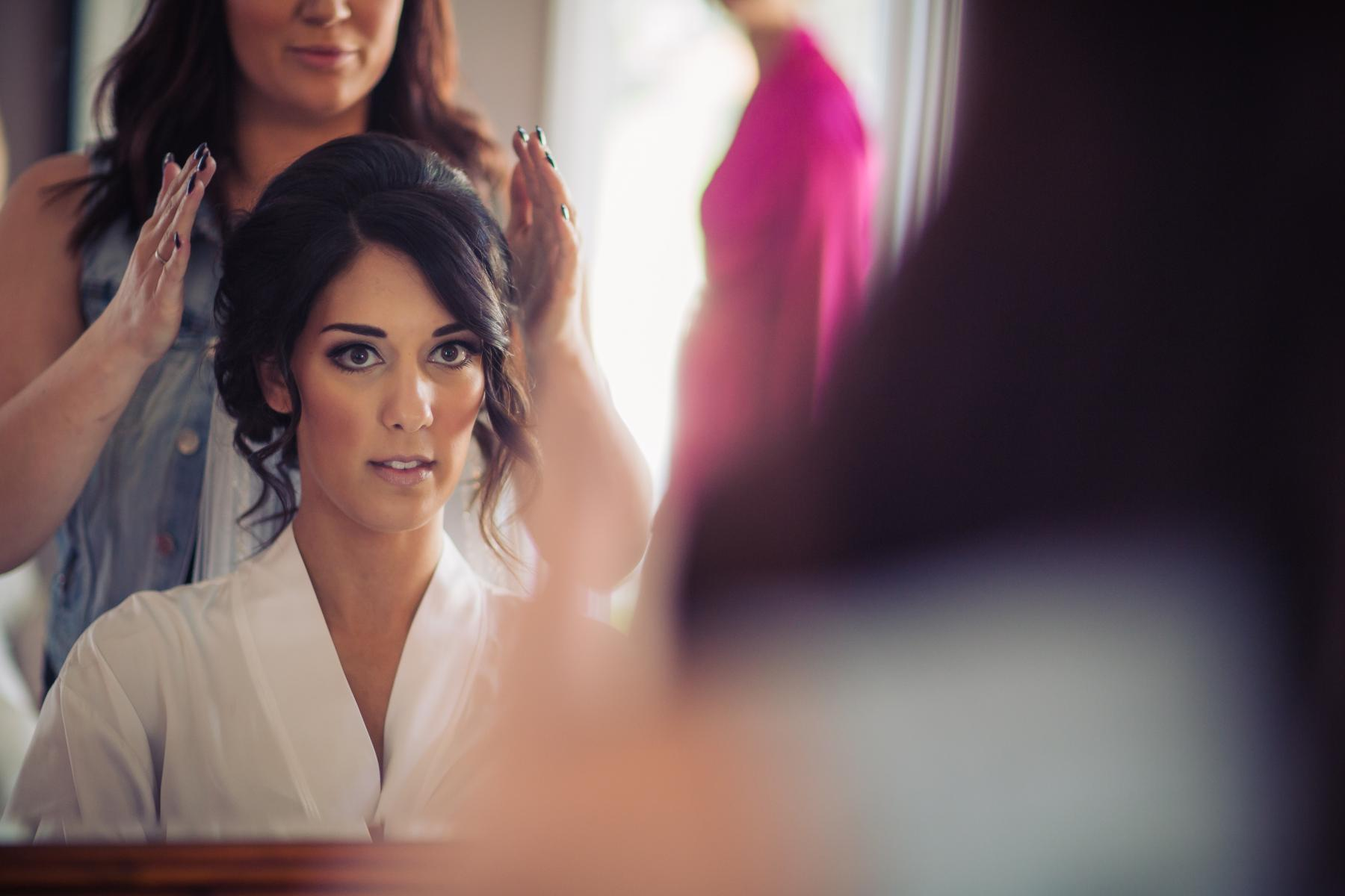 bride gettting ready for a wedding in edmonton alberta canada